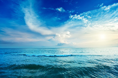 blue-clean-sea-and-cloudy-sky-landscape-lb