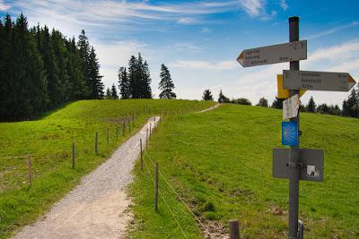 30-Muenchner-Jakobsweg-Auerberg-Wegzeichen